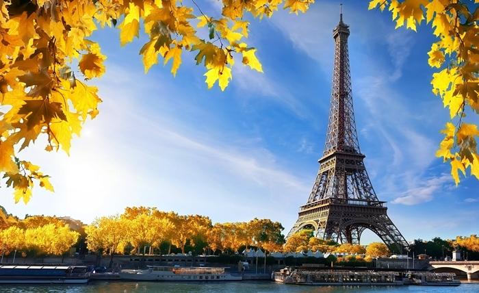 Nên mua vé máy bay đi Pháp thời điểm nào?