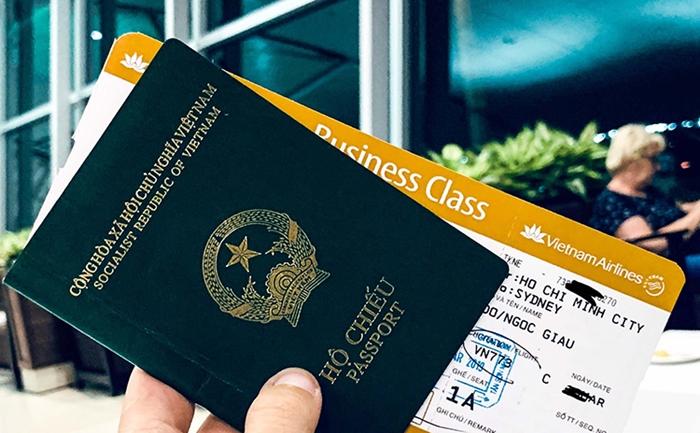 Nếu để sai tên trên vé máy bay, thủ tục hoàn vé là cách bạn nên làm để đảm bảo quyền lợi của mình