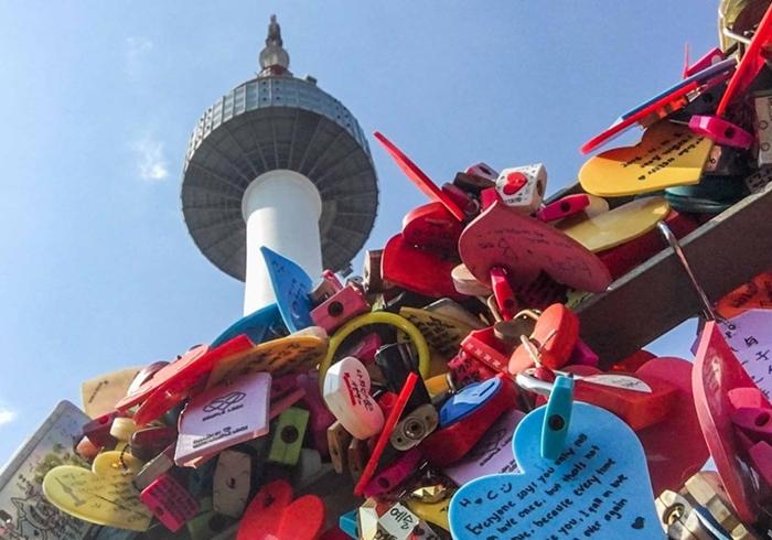 Tháp Namsan, Seoul, Hàn Quốc – Cây cầu tình yêu nổi tiếng thế giới